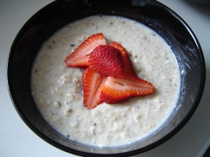 Have this quick and healthy oatmeal in a flash and feel full all morning long!  It&#039;s also lactose free and vegan, so you know you&#039;re treating your body right!