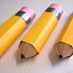 Make these cute pencil-shaped party favors using toilet paper tubes! They are sure to be a back-to-school party hit!