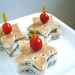 Impress your loved ones with these cute little turkey bites!  Perfect for a cooler school lunch, a Memorial day picnic or your next family get together!