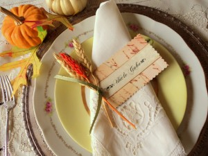 This holiday is all about the food so your place setting and name cards have to excite your guests for the feast!