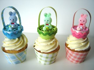 I had so much fun making these cute little Easter baskets! They are perfect cupcake toppers that the little ones will love!