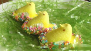 Make a batch of these super-simple chocolate-covered Peeps for your Easter celebration! Your kids will love helping you dress these Peeps for Easter!