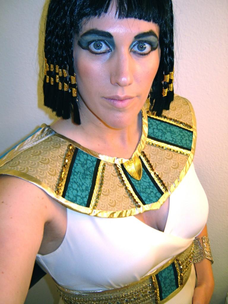DIY Cleopatra Halloween Costume Tutorial My Momma Told Me