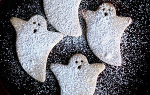 Make a batch of your favorite Christmas sugar cookies into a BOO-tiful Halloween treat!