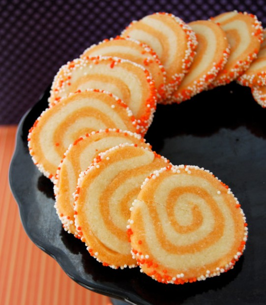 Classic orange and yellow make this christmas cookie favorite into a
